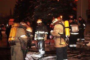 Растет число жертв пожара на донецкой табачной фабрике (фото, видео), фото-10