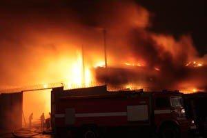 Растет число жертв пожара на донецкой табачной фабрике (фото, видео), фото-9