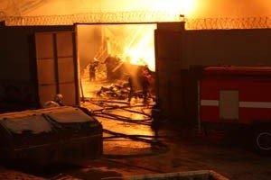 Растет число жертв пожара на донецкой табачной фабрике (фото, видео), фото-8
