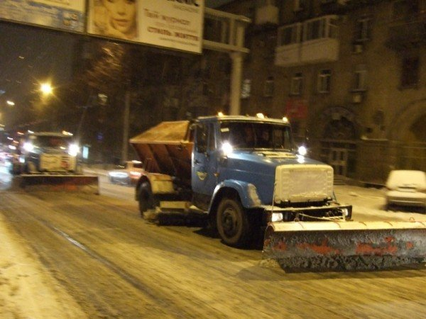 Снегопад парализовал движение в Донецке (фото), фото-2