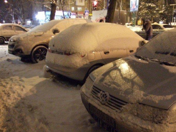 Снегопад парализовал движение в Донецке (фото), фото-3