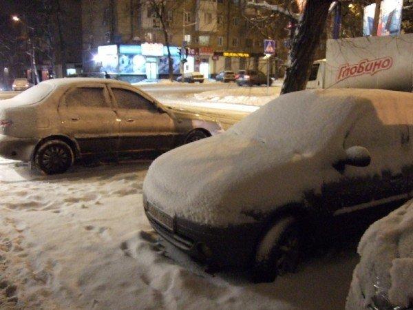 Снегопад парализовал движение в Донецке (фото), фото-4