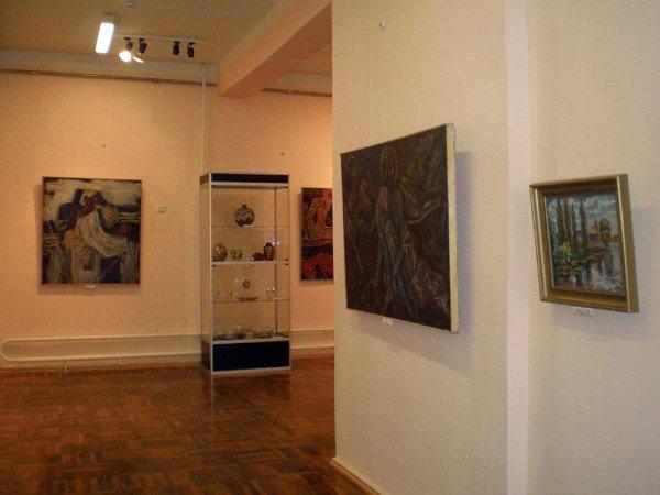 Искусством Донецкого края можно полюбоваться в Горловском художественном музее, фото-3