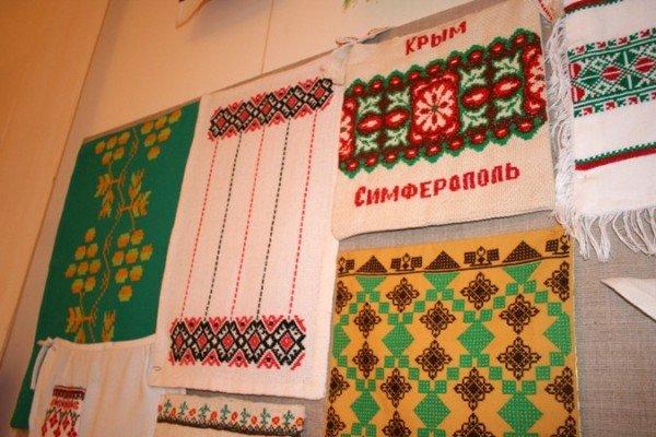 В Симферополе открылась выставка учеников знаменитой крымской вышивальщицы (фото), фото-8