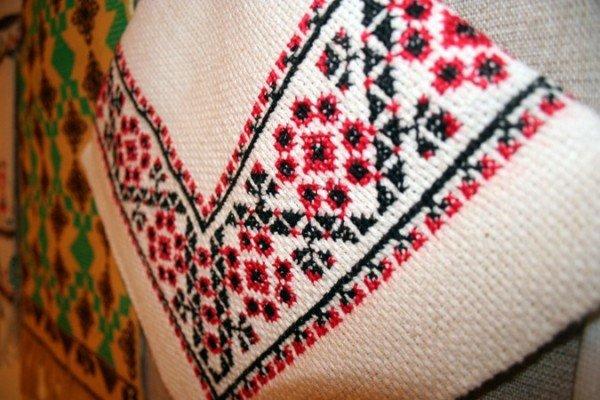 В Симферополе открылась выставка учеников знаменитой крымской вышивальщицы (фото), фото-9