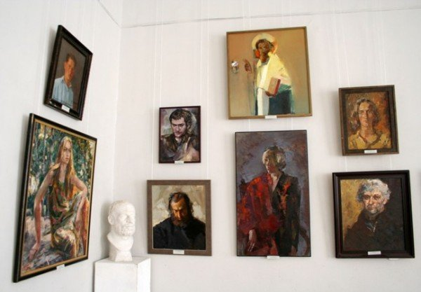 В Симферополе открылась выставка памяти Рудольфа Подуфалого (фото), фото-9
