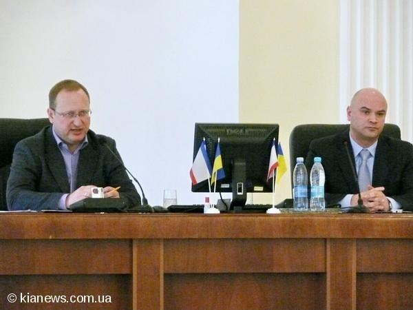 В Ялте медики устроили пикет, а депутаты отменили реорганизацию Алупкинской больницы (ФОТО), фото-4