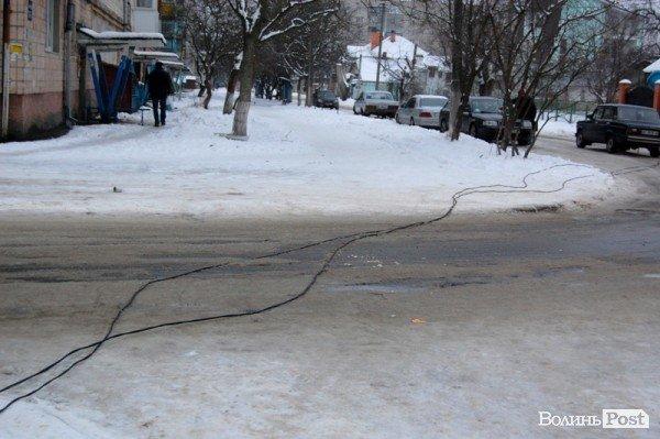 У Луцьку авто протаранило огорожу дитсадка (ФОТО), фото-2