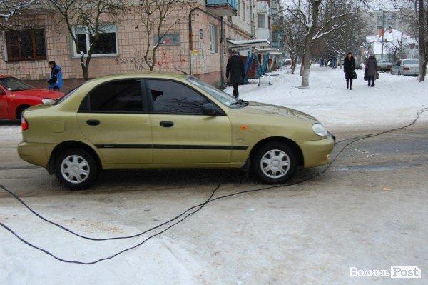 У Луцьку авто протаранило огорожу дитсадка (ФОТО), фото-3