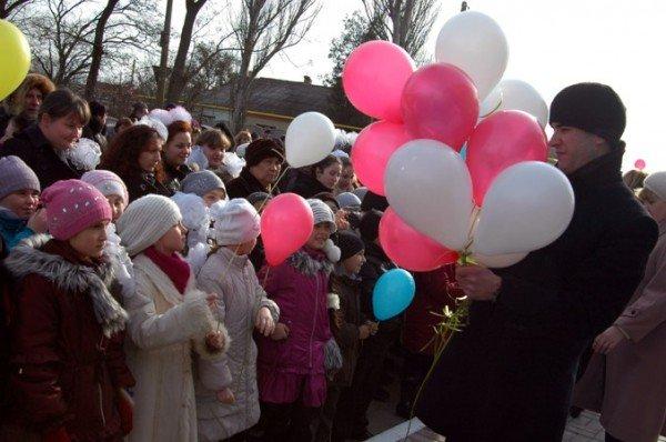 В пгт Ленино открыли школу за 75 миллионов (фото), фото-1