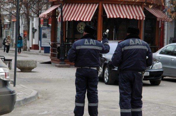 ГАИ контролирует пешеходную зону в центре Симферополя только для Могилева (фото), фото-2
