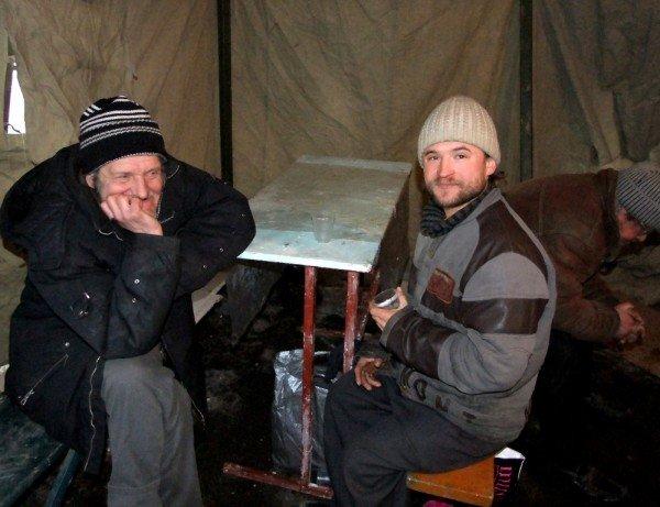 Бездомные вынужденно превращают автовокзал в центре Донецка в «отхожее место» - там нет ни одного бесплатного туалета (фото), фото-2