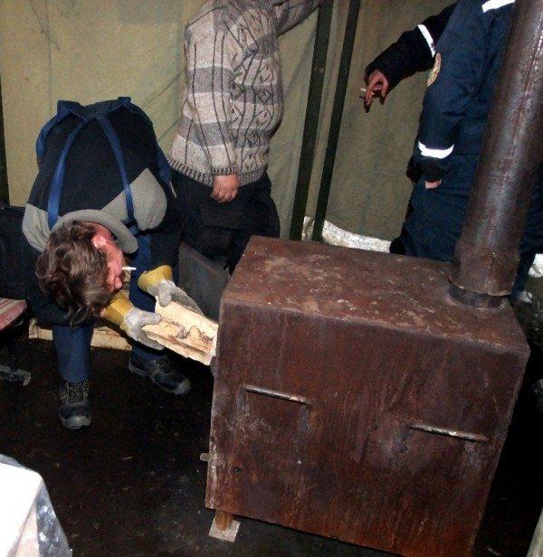 Бездомные вынужденно превращают автовокзал в центре Донецка в «отхожее место» - там нет ни одного бесплатного туалета (фото), фото-3