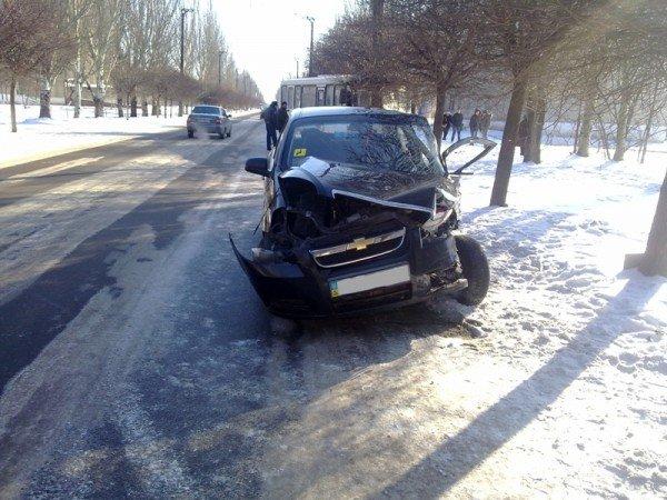 В Донецкой области в автобус врезалось «Шевроле»  - пострадали 18  человек (фото), фото-1