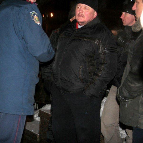 В Донецке во время шествия, посвященного памяти Героев Крут, напали на журналистов и участников акции (фото), фото-7