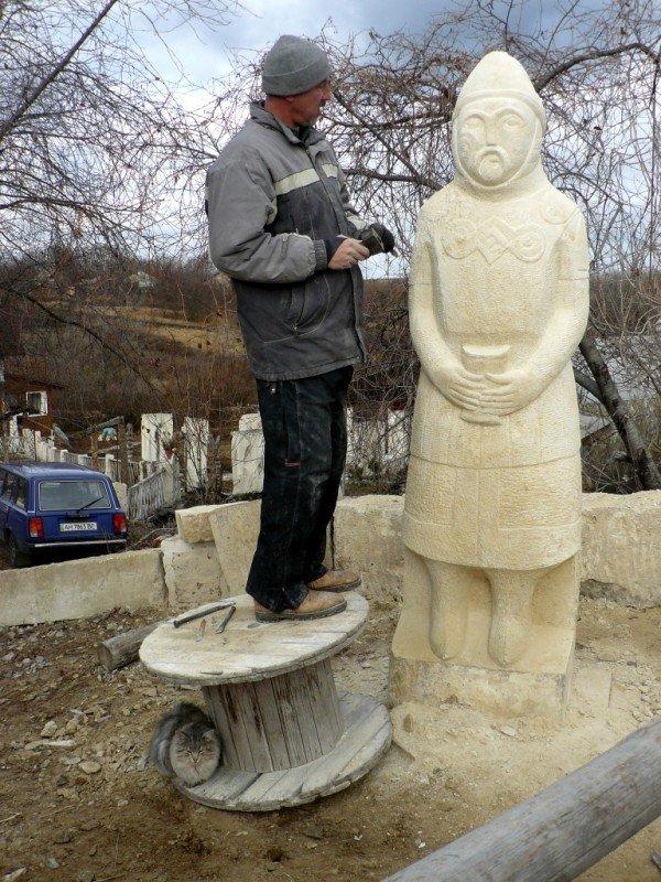 К Евро-2012 в Артемовском районе появятся статуи хана Шарукана и князя Владимира Мономаха, фото-1