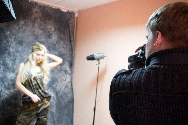 Military Girl активно готовятся к сражению за подарок для любимого, фото-1