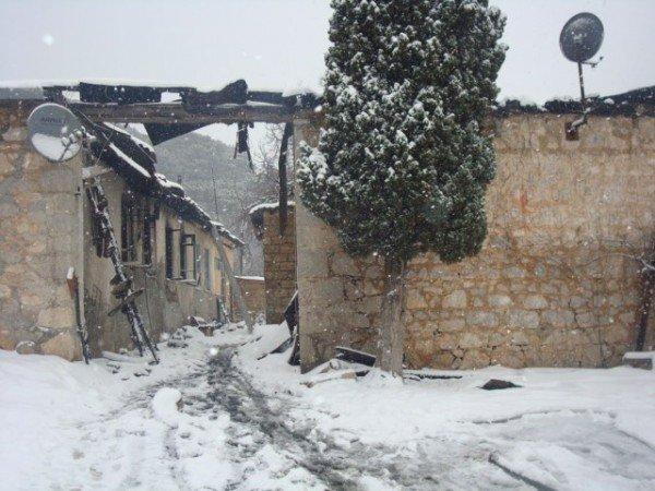 20 жителей эвакуировали во время пожара в Ялте (ФОТО), фото-4