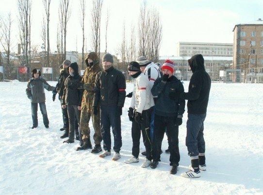 У Луцьку на честь героїв Крут побились і вивалялись у снігу (ФОТО), фото-3