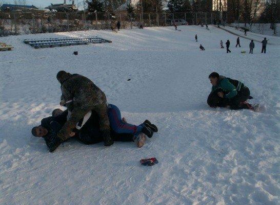 У Луцьку на честь героїв Крут побились і вивалялись у снігу (ФОТО), фото-7