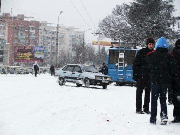 Ялту завалило снегом. В поселках ЮБК ни пройти, ни проехать (ФОТО), фото-9
