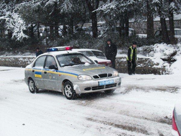Ялту завалило снегом. В поселках ЮБК ни пройти, ни проехать (ФОТО), фото-2