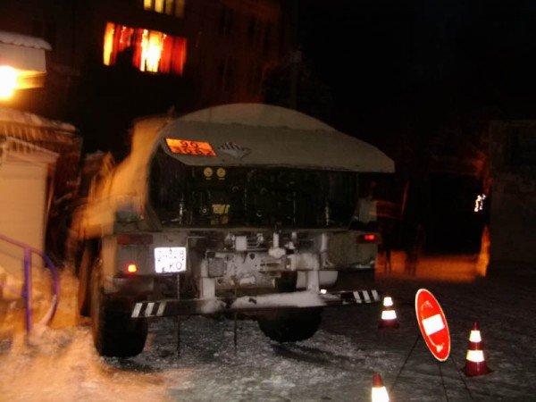 В Алупке попал в аварию бензовоз, груженный десятью тоннами топлива (ФОТО), фото-7