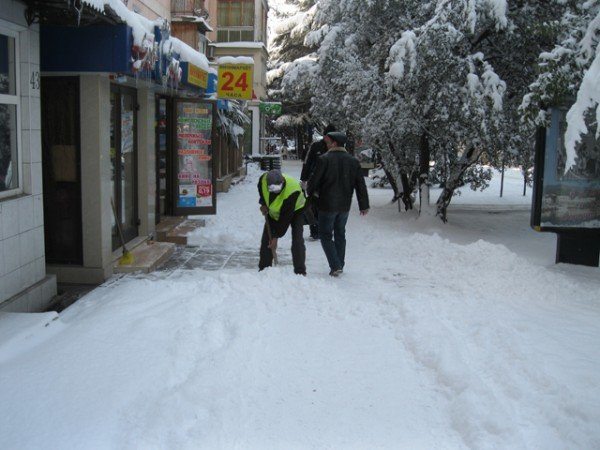 В Ялте – снежный покров в 33 сантиметра (ФОТО), фото-2