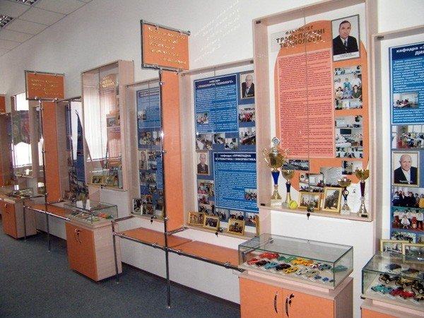 В Горловском ДПИ можно не только учиться, но и ходить туда как в музей, фото-1