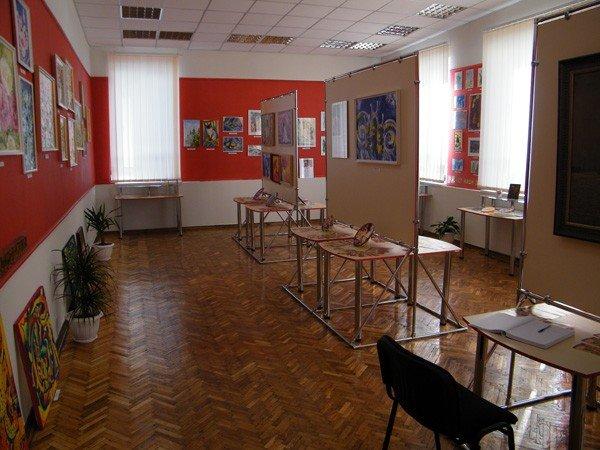 В Горловском ДПИ можно не только учиться, но и ходить туда как в музей, фото-5