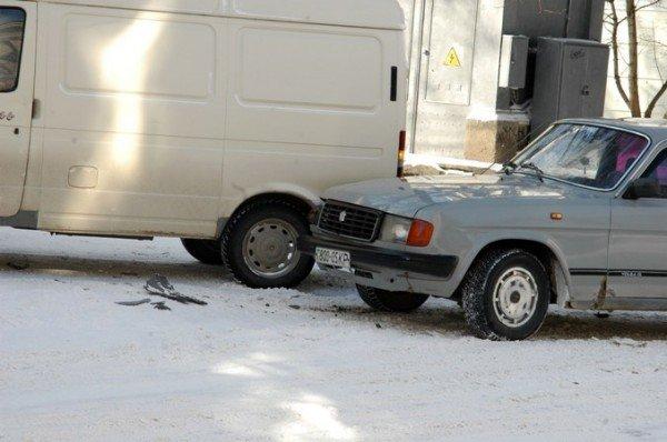 В центре Симферополя не разъехались «Газель» и «Волга» (фото), фото-2