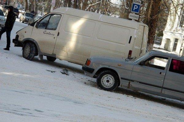В центре Симферополя не разъехались «Газель» и «Волга» (фото), фото-3