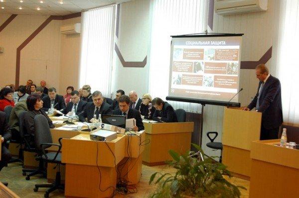 В крымском Совмине подсчитали, сколько жители полуострова зарабатывают ежемесячно, фото-1