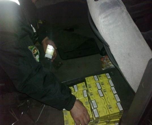Мукачівські прикордонники виявили вісім ящиків цигарок (ФОТО), фото-2