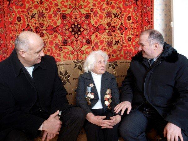 Жители Артемовска чествовали участников самого кровопролитного сражения в истории человечества, фото-1