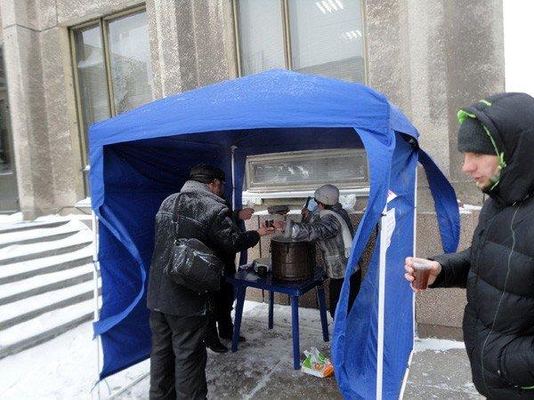 Городская организация Партии регионов организовала мобильные пункты обогрева, фото-1