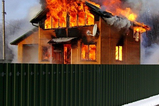 На Тернопільщині згорів будинок, фото-1