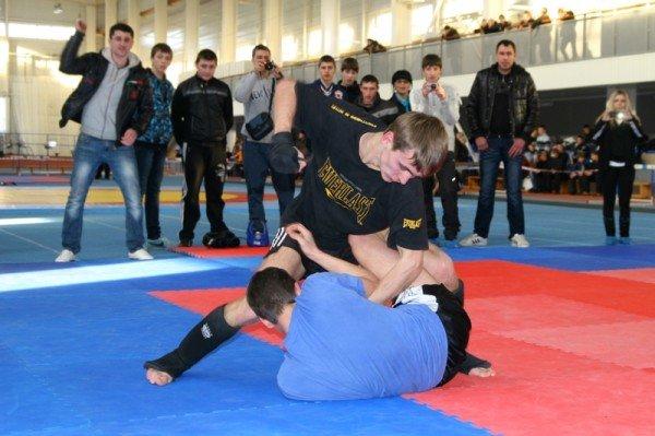 На турнире в Артемовске дети бились по-взрослому: восемь участников попали в травматологию, фото-10