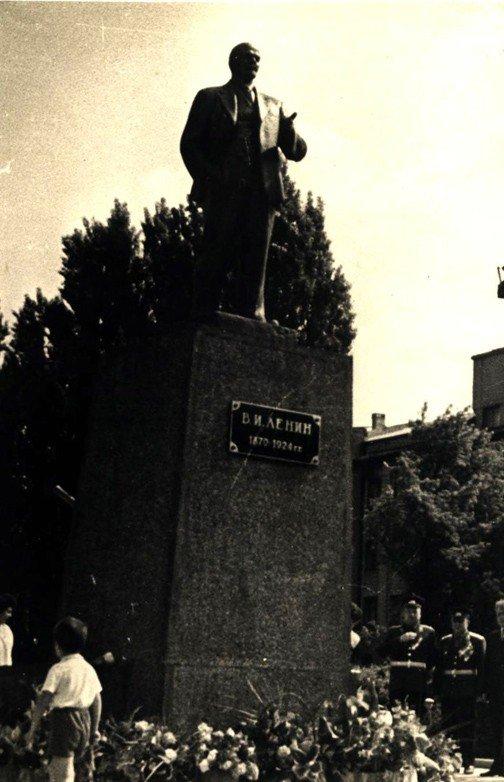 Горловский Никита Изотов подвинул самого Владимира Ленина, фото-2