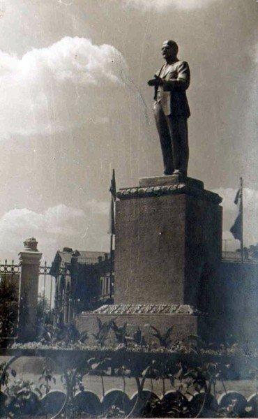 Горловский Никита Изотов подвинул самого Владимира Ленина, фото-1