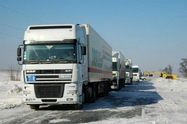 В Крыму за сутки в заносах застряли три роженицы (фото), фото-2