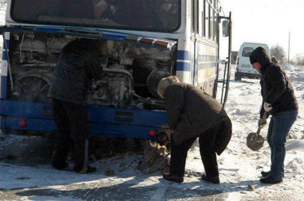 В Крыму за сутки в заносах застряли три роженицы (фото), фото-5