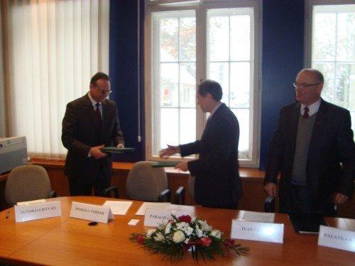 УжНУ підписав новий договір про співпрацю з Дебреценським університетом (ФОТО), фото-2