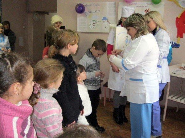 День стоматолога врачи превратили для детей в увлекательный праздник, фото-3