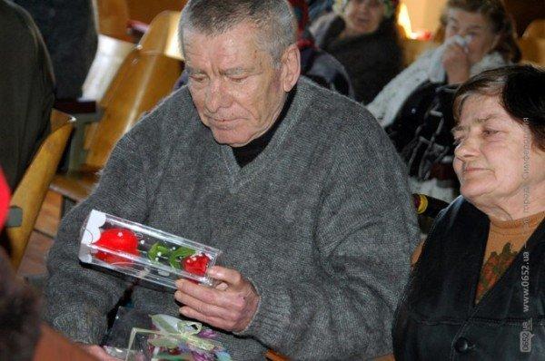 В Симферополе стариков поздравили с Днем святого Валентина (фото), фото-2
