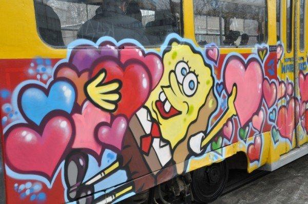 ФОТОРЕПОРТАЖ: В Запорожье на маршрут вышел трамвай Влюбленных, фото-3