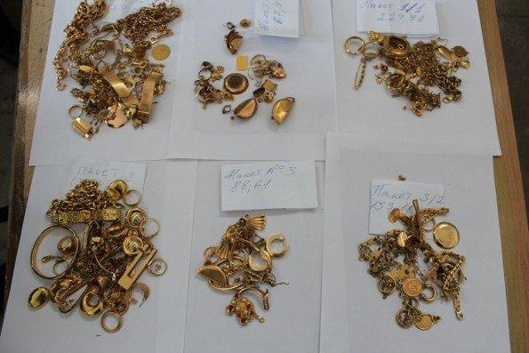 На митниці спіймали заробітчан з Італії із контрабандою золота й срібла, фото-1