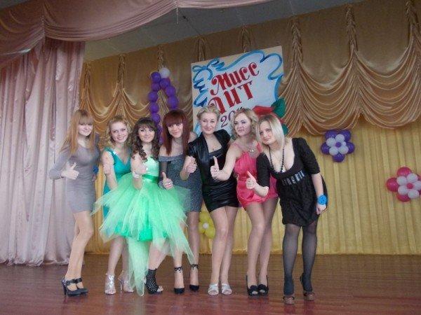 Титул в подарок ко дню рождения: в Артемовском индустриальном техникуме определили самую красивую студентку, фото-1