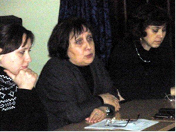 Многодетные мамы из горловского общества «Семья» обсудили вред и пользу компьютеров в жизни детей, фото-1