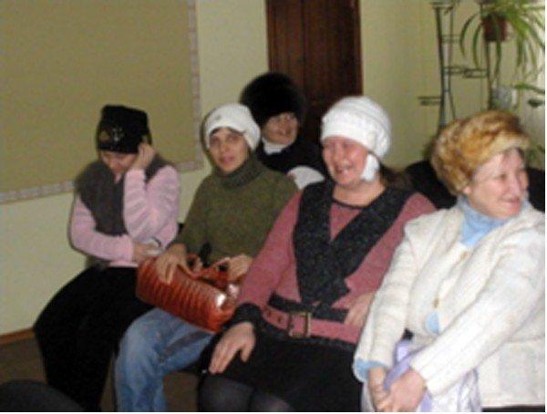 Многодетные мамы из горловского общества «Семья» обсудили вред и пользу компьютеров в жизни детей, фото-2